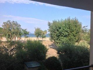 Exceptionnelle vue sur Golfe de St Tropez, appartement 4 pers sur la plage.
