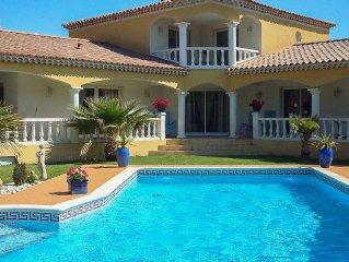 PROMO DERNIERE MINUTE Maison de Charme 250 m2 clim piscine  5 mn  AVIGNON