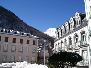 Grand appartement (5 chambres,150 m2) en plein coeur du village de Cauterets