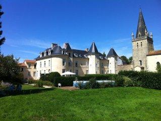 Château de La Bergelière, à proximité du Puy du Fou, au coeur du bocage vendéen
