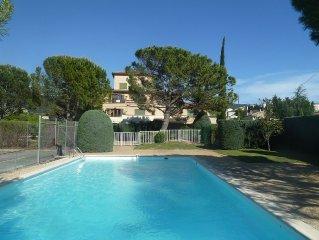 appartement dans residence avec piscine
