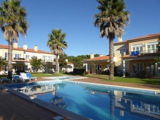 Appartement au Resort de Praia Del Rey, avec piscine pour enfants