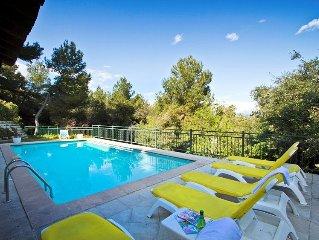 Grande villa familiale de 6 chambres  avec piscine et billard