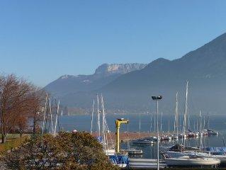 RARE VUE SUR LAC appart ***Annecy   A 2 pas lac,plage,vieille ville+garage+wifi