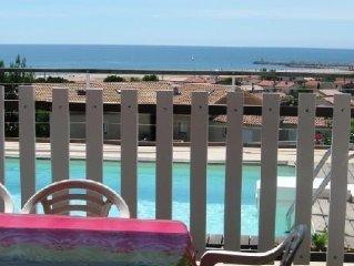 Maison et piscine privée pleine vue mer