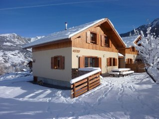 Large chalets facing south to Orres,huge land, Queyras furniture, at foot of ski