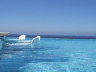 villa standing pied dans l'eau