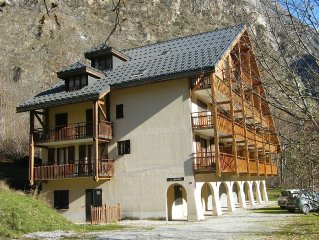 Mountain apartment in craft village 8 minutes 2 A