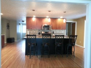 3 Bedroom High End House With Hot Tub Close To Erie Canal And Golf Courses