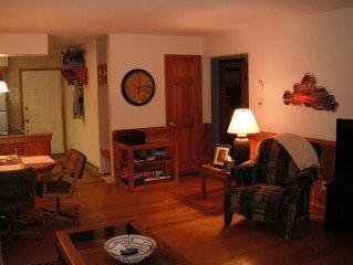 Located close to skilifts, grocery store, restaurants, golf course,lake