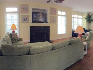 Beautiful Soundside Cottage with Great Amenities!