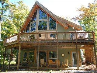 Wintergreen Retreat - New Luxury Post & Beam Home, Devils Knob