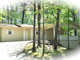 Lake Desoto Area Home. $89.00 / Night!!