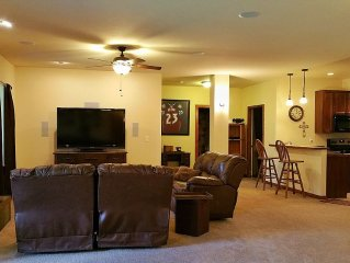 Mountain Comfort Minutes from Red Rocks & Denver