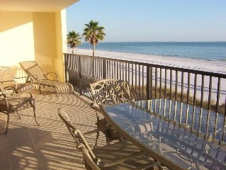 3BR/2BA Beachfront Condo w/Fabulous Gulf View 1500SF Open October