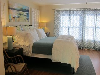 Private Studio In Downtown Home, 5 Minute Walk to