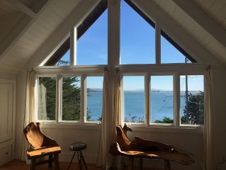 $100 off weened of June 23-25th!Charming house with amazing view and a cottage!