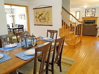 NEWLY CONSTRUCTED AND NEWLY FURNISHED CAPE WITH FREE NIGHTS FROM 11/1-5/1.