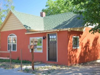 On the River, Downtown Salida. Walk to Restaurants & Shopping. Newly remodeled.