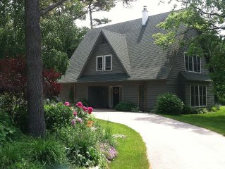 Cozy, Family-Friendly Home Near Fish Creek & Peninsula State Park