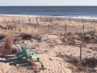 Direct Oceanfront Townhouse - Out the Door and Toes in the Sand!!