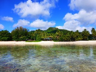 3 bedroom beach front home in arorangi - white sand beach, warm lagoon, sunsets