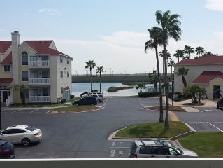 'Island Time' is a Beautiful 1/1 Condo, 1 Block from the Beach, Great Amenities