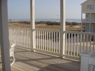 ** Spectacularly Remodeled **, Pet Friendly, 4BR/4BA Ocean View Villa in OIB
