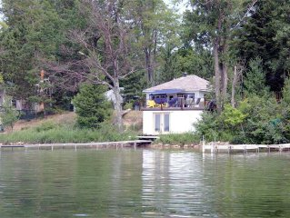 Charming Summer Cottage, includes free  pontoon, wireless , boathouse