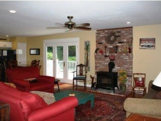 Heart of Downtown Saluda-Stroll to Everything ~ Large Beautiful Home!