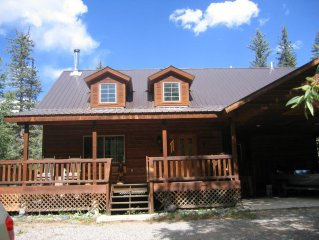 River front home has 4 bed., 2.5 bath and sleeps 8
