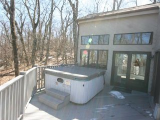 Perfect 3 BR w/ 2 Family Rms near Top of Mtn & Amenities