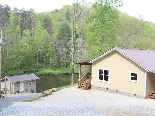 PRIVATE RIVERFRONT 3 bed/2 bath house on the Oconaluftee River! PRIVATE DOCK!