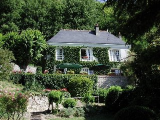 Unique, Independent, Quality B&B Overlooking the Loire Valley