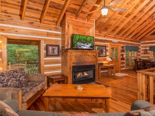 Luxury Cabin With Incredible View, Nestled In Woods but Convenient To Everything