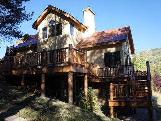 Large Lake Home, 3 miles from town. Hot Tub, Trails, Gorgeous Setting!