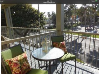 Beautiful Beach Condo Just Steps to the Beach