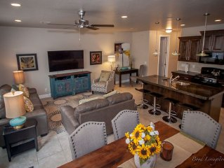 Near Zion! Stunning new 4 bed condo on Coral Ridge Golf Course sleeps 10, wi-fi