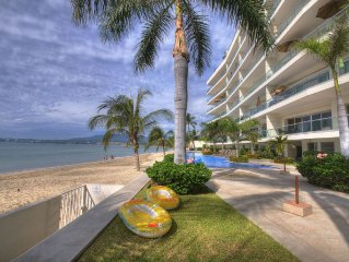Bucerias Golden Zone Beachfront  Penthouse Agua Azul Wifi, Sat.TV