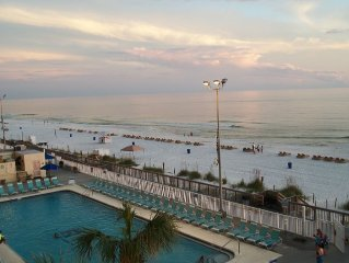 Open 7/25-8/1,Beach chairs,4th floor-Gulf front w/fabulous beach view,1 BD,2 BTH