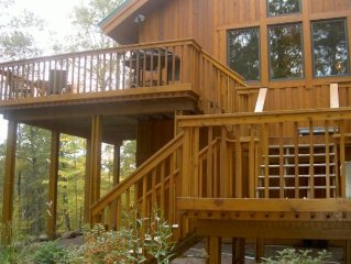 Northwoods Luxury - Private Lake, Gourmet Kitchen, Sauna!