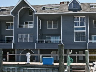 Bayfront spacious 3 Bedroom 2.5 bath Condo w/ Pool In The Heart Of Beach Haven
