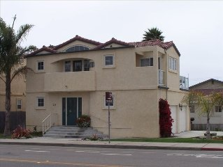 2 Blocks from Beach 5 Blocks from Historical Pismo Beach
