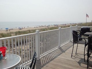 Oceanfront - Right on the Beach...doesn't get any better than this!