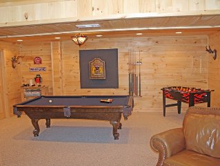 Perfect Mtn Getaway! River Access, Firepit, Pool/Foosball Table & Hot Tub!