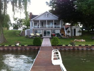 Lakefront home with all amenities & beautiful view