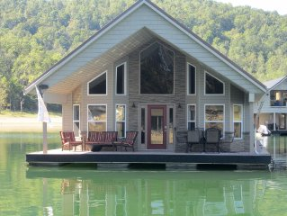 Beautiful Floating House, Sleeps 10, Gorgeous View
