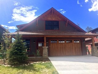 Beautiful New 4-bed Mountain Home, Sleeps 12,  2.5 Miles From Winter Park