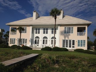 Ponte Vedra Beach, Luxurious Oceanfront Home Close to TPC Course & Mayo Clinic