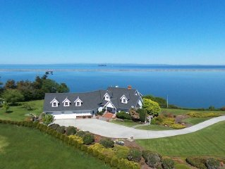 Dungeness Bay Waterfront Estate, Water and Mountain Views, Spacious and Private